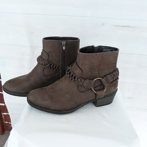 "XOXO ""Glorious"" boots size 6M"